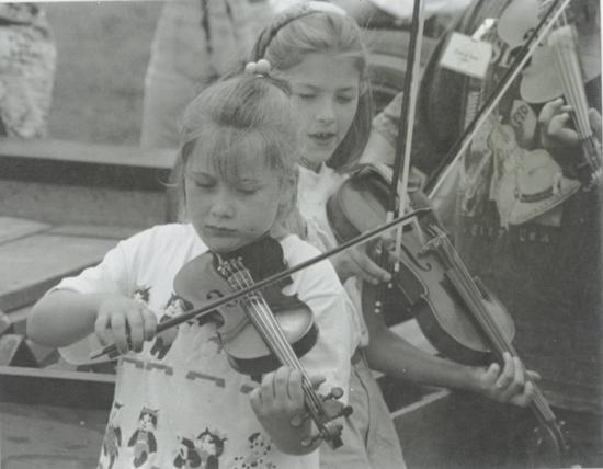 youngfiddlers.JPG